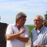 Bundestagsabgeordneter Burkhardt Lenz mit einem Eigentümer…